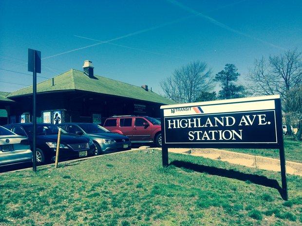 highlandavtrainstation