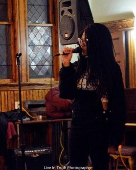 Queen Avie performing at DDTM4 at the HUUB
